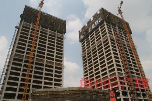 世贸中心双子塔重现龙城