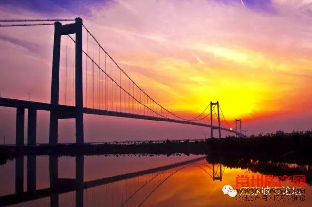 主桥采用双塔双索面钢箱梁斜拉桥